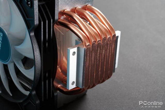 航嘉冰封600R炫动版评测:百元级风冷配备豪华六热管