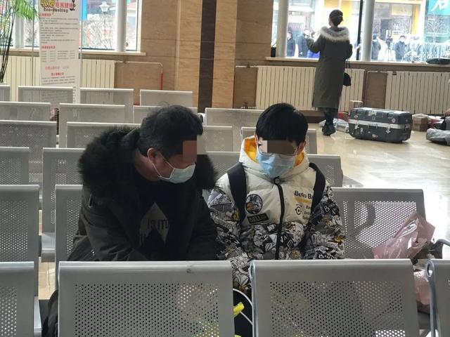 「生活报」黑龙江55岁重症确诊患者康复出院!她这一句话,瞬间让人泪奔
