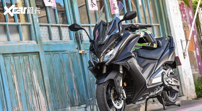 大型運動踏板摩托車: 通勤、跑山皆宜的雙缸大綿羊-圖3