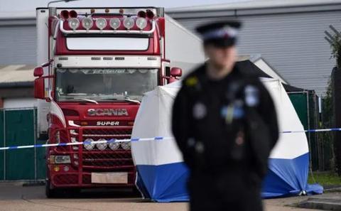 英國貨車慘案細節: 移民死前絕望告別傢人 嫌犯開箱後呆立90秒-圖3