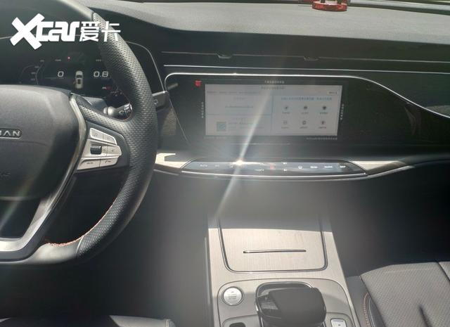 2020款長安歐尚X7實車進店! 178馬力配1.5T-圖7