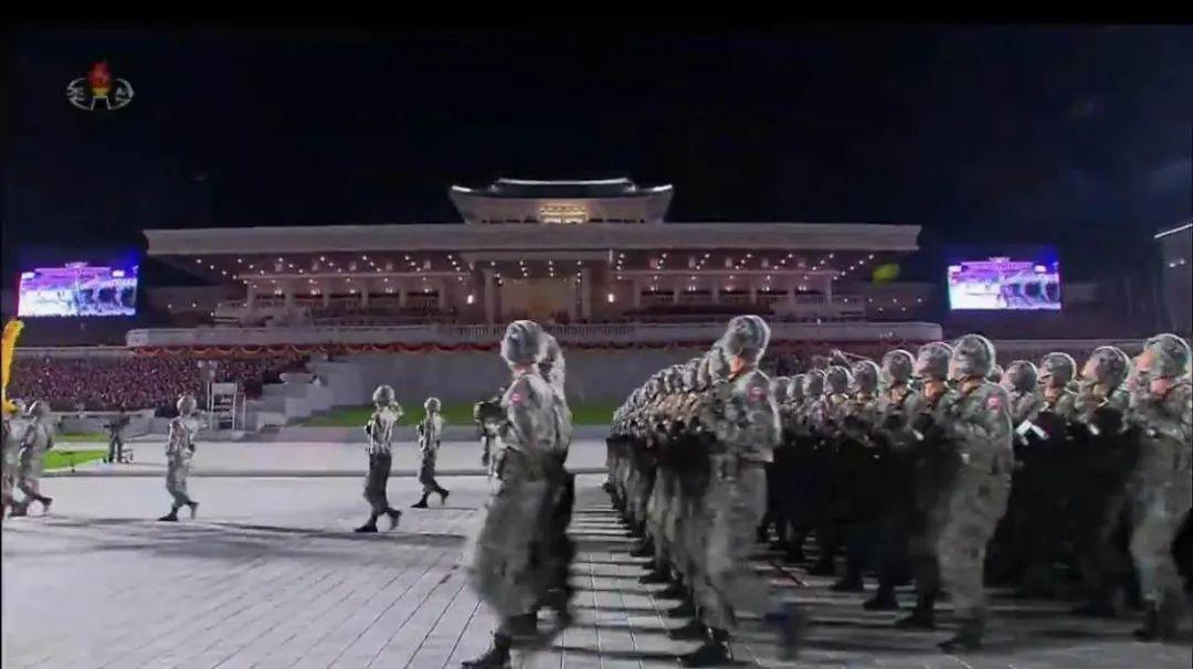 朝鮮凌晨閱兵, 新型洲際導彈受關註!-圖5