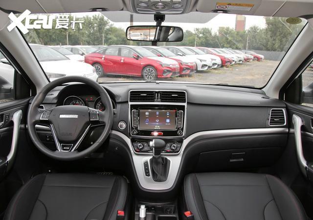 哈弗M6身形比例勻稱, 售價6.6萬元起, 車內空間較為實用-圖10
