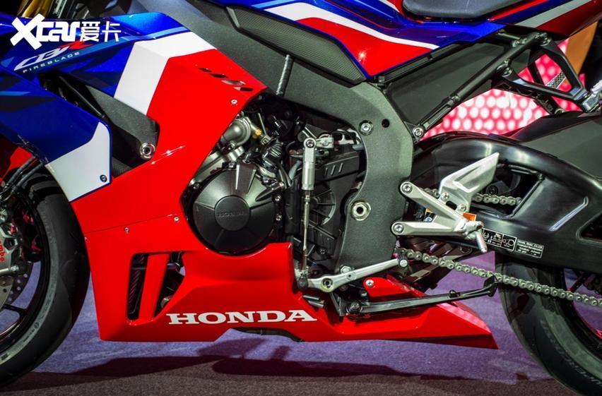 從設計細節看本田摩托設計, CBR1000RR-R的引擎解析-圖2