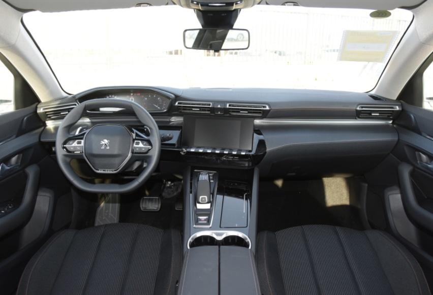 又一合資中型轎車跌至冰點價! 14.27萬起帶全液晶儀表-圖3